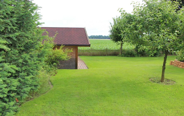Haus hinten Garten
