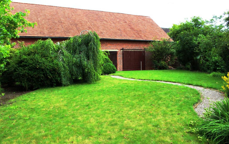 Garten hinter Lagerhalle