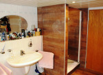 OG Badezimmer mit Dusche