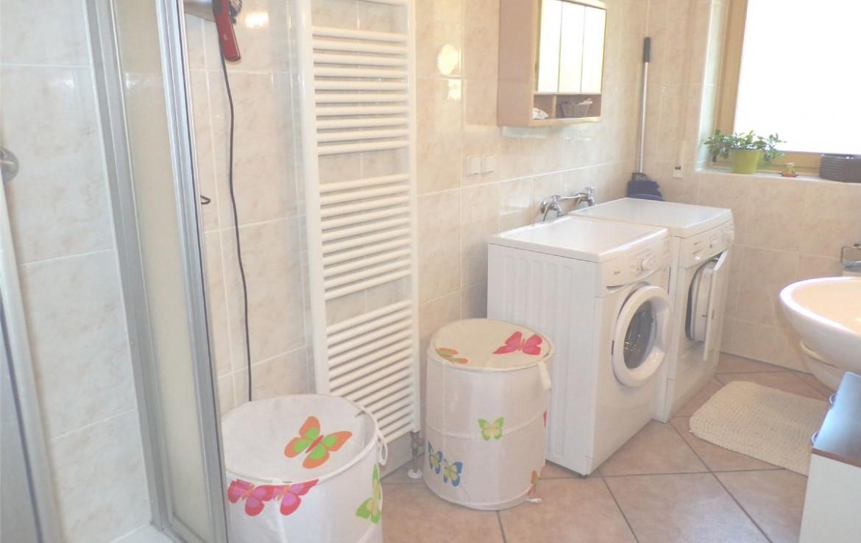 Gäste Bad/WC - Dusche und Fenster