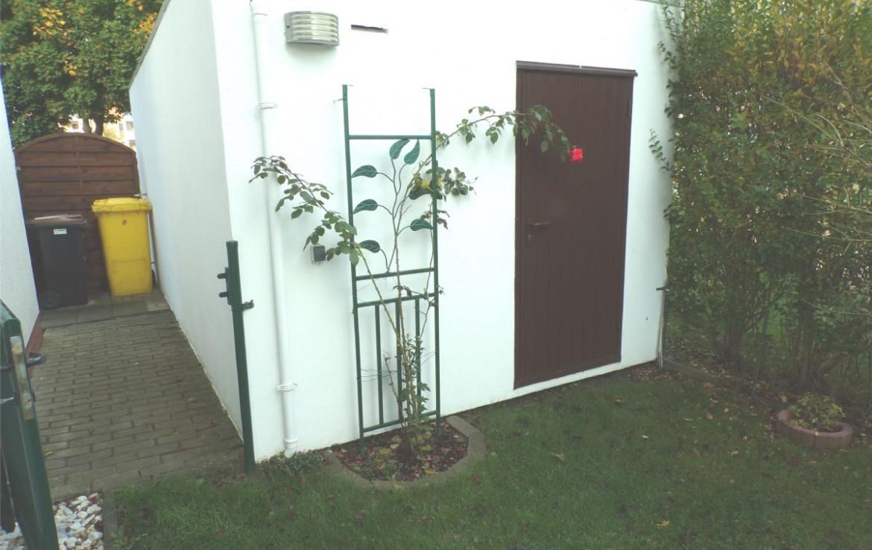Garagen Eingangstür