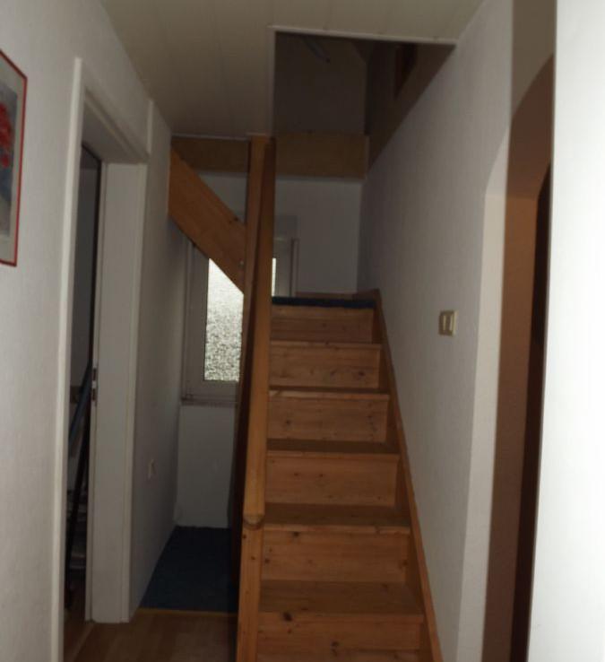 Winkeltreppe zum Boden