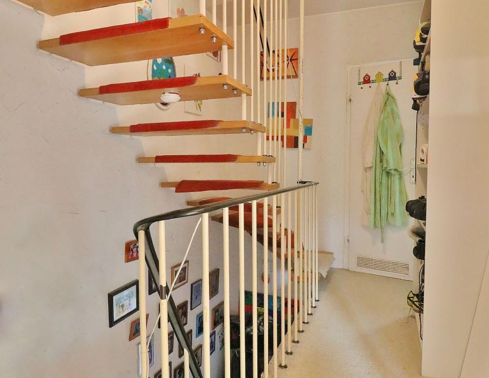 1. Etage - Treppe zum Dachgeschoss