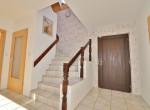 Eingangsbeerich mit Treppenhaus