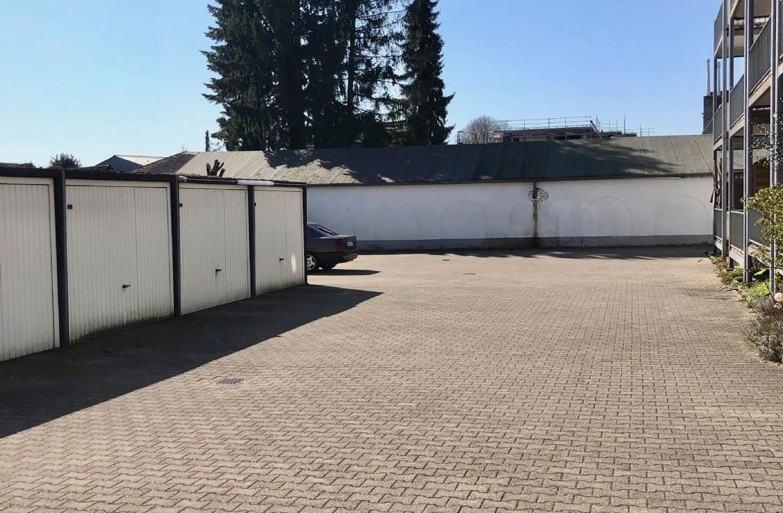 Hinterhof 1